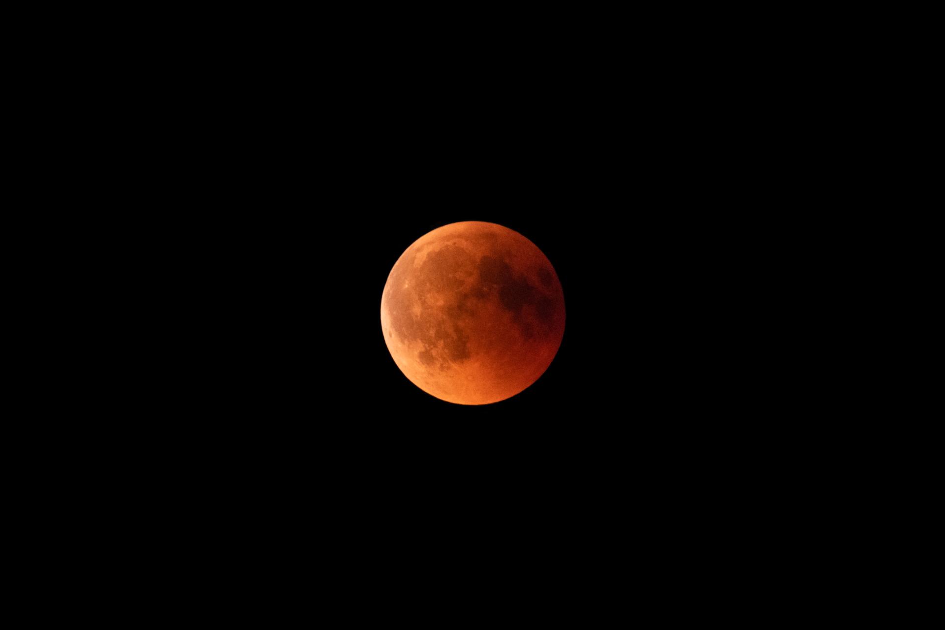 Maansverduistering bloedmaan 27 juli